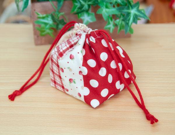 イチゴの巾着袋(赤)