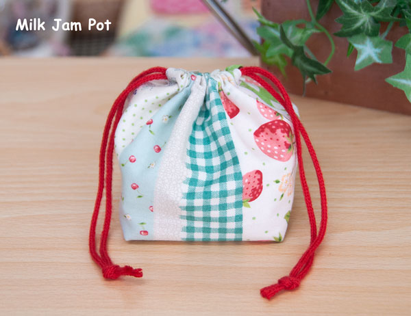 苺の巾着袋