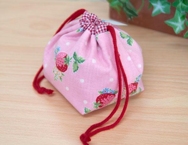 ピンクの苺きんちゃく
