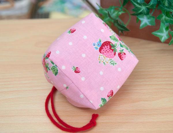 ピンクの巾着