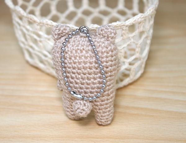 くまの編みぐるみキーホルダー