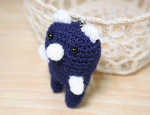 クマの編みぐるみキーホルダー